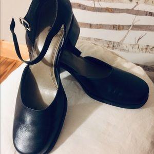Naturalizer Shoes - Naturalizer Block Heels Size 7 1/2